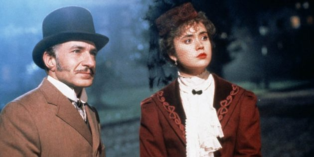Кадр из фильма про Шерлока Холмса «Без единой улики»