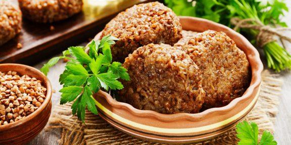 Котлеты можно готовить и без мяса. Эти постные рецепты разнообразят меню