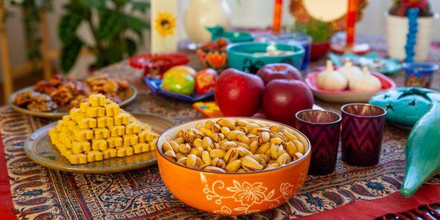 Как отмечают День весеннего равноденствия: праздничный стол на Новруз