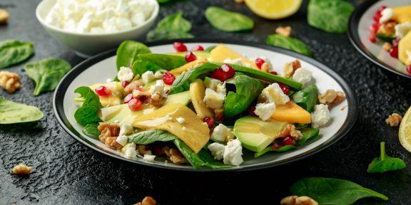 Лёгкие и нежные. Нашли рецепты идеальных салатов с авокадо