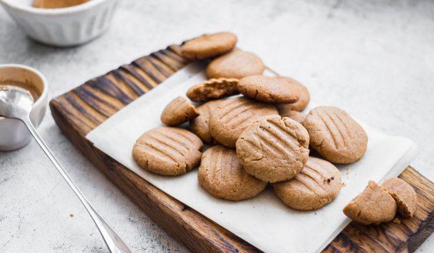 Постное печенье из трёх ингредиентов