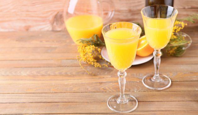 Алкогольный коктейль «Мимоза» со сливками