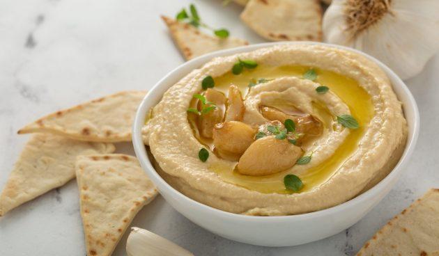 Хумус из белой фасоли с чесноком