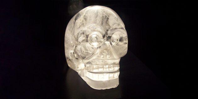 Технологии древних цивилизаций: хрустальный череп в Музее на набережной Бранли, Париж
