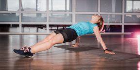 Прокачка: жёсткая домашняя тренировка для мощных плеч
