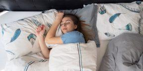 Как утяжелённое одеяло помогает избавиться от бессонницы