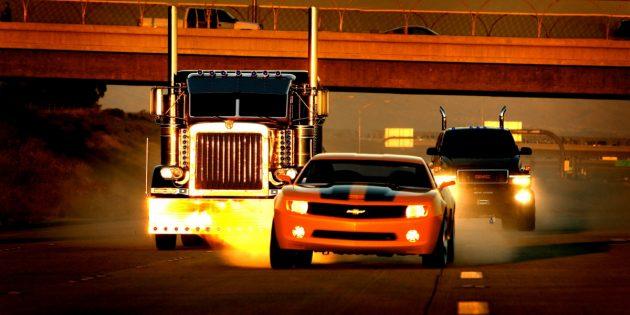 Кадр из фильма про машины «Трансформеры»