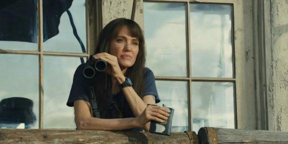 Вышел трейлер фильма «Те, кто желает мне смерти» с Анджелиной Джоли в главной роли