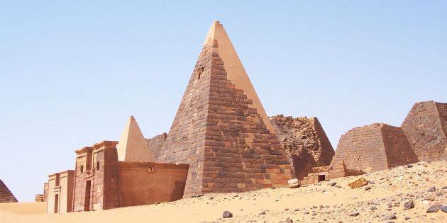 Удивительные факты: в Судане пирамид вдвое больше, чем в Египте