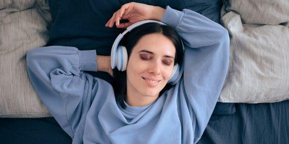 Тарифы на ночь: Yota и Ваня Усович выпустили совместный подкаст для тех, кто не может уснуть