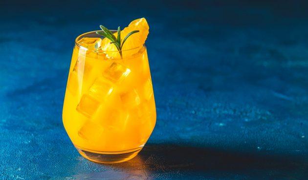 Простой цитрусовый коктейль с водкой