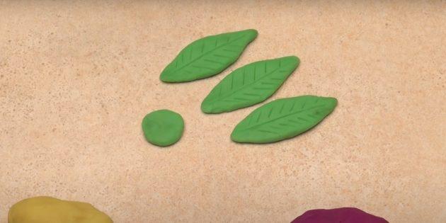 Поделка из пластилина «Цветок»: сделайте листики
