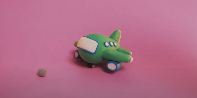 Поделка из пластилина «Самолёт»: сделайте шасси