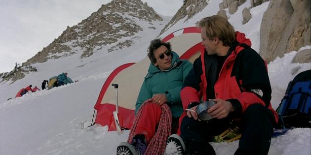 Кадр из фильма про горы «К2: Предельная высота»