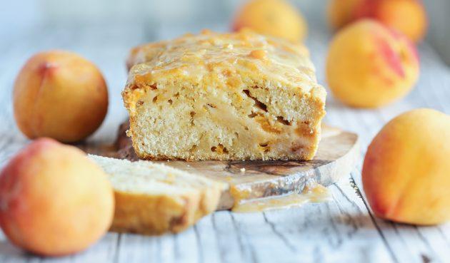 Фруктовый хлеб с персиками