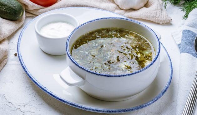 Суп со щавелём и тушёнкой