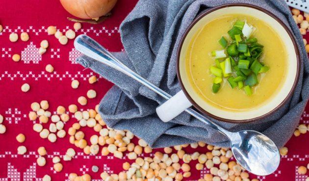 Сырный гороховый суп с ароматом копчёностей