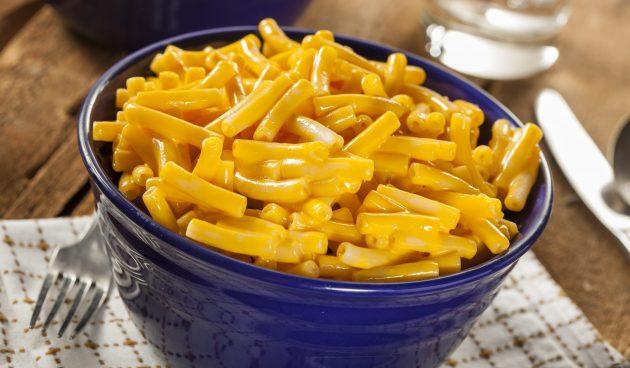 «Мак энд чиз» из Cheetos для самых ленивых