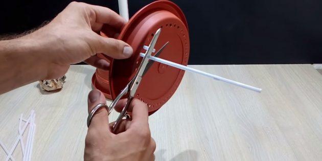 Как сделать фонтан своими руками: вставьте соломинки