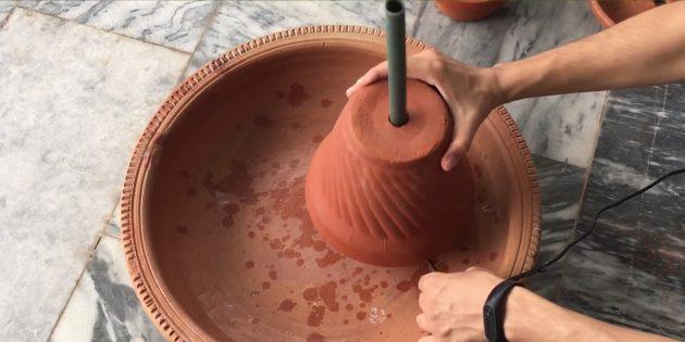 Как сделать фонтан своими руками: установите помпу