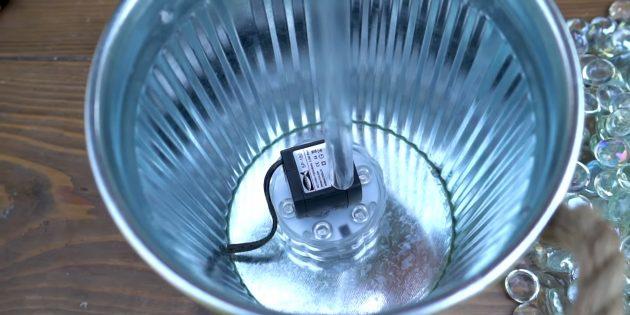 Как сделать фонтан своими руками: установите трубку и светильник в ведро