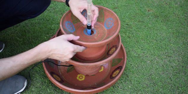 Как сделать фонтан своими руками: добавьте лейку