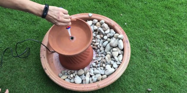 Как сделать фонтан своими руками: соедините детали