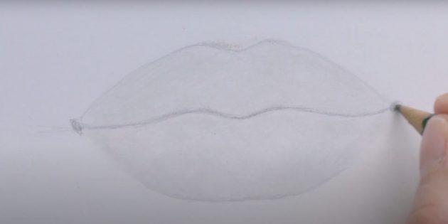 Как нарисовать губы: наметьте нижнюю губу и закрасьте рисунок
