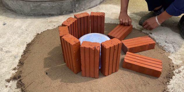 Как сделать фонтан своими руками: сделайте круг из кирпичей