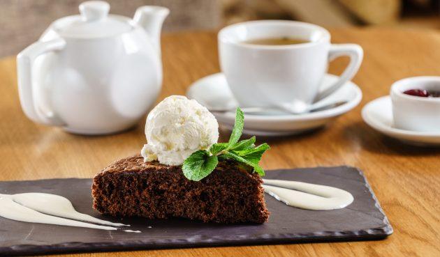 Шоколадный пирог на сковороде. Проще не бывает