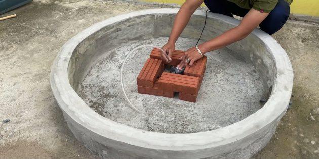 Как сделать фонтан своими руками: выложите опору из кирпичей
