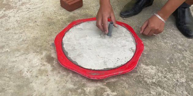 Как сделать фонтан своими руками: отлейте крышку из бетона