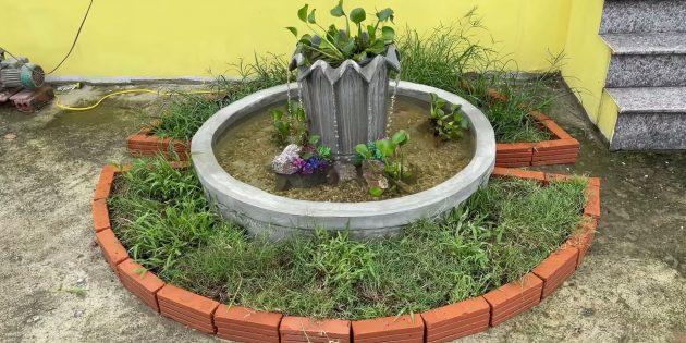 Бетонный фонтан-кувшинка с прудом своими руками
