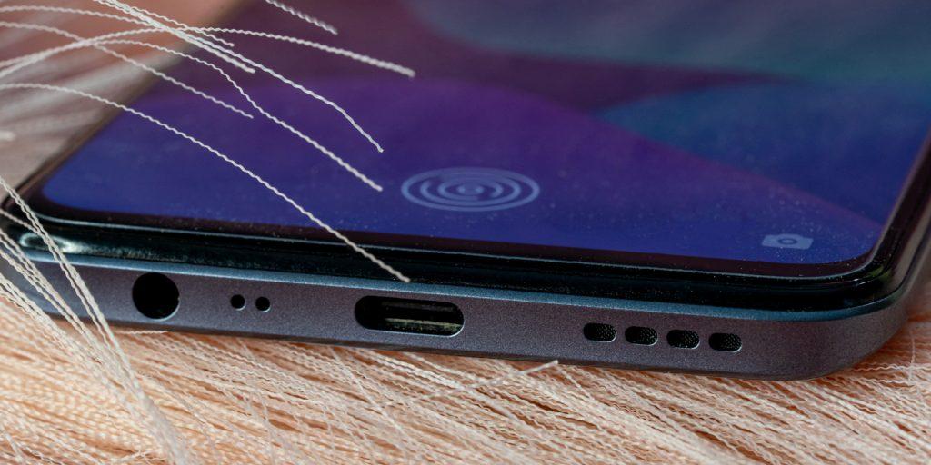 Обзор Realme 8Pro: динамики и микрофоны