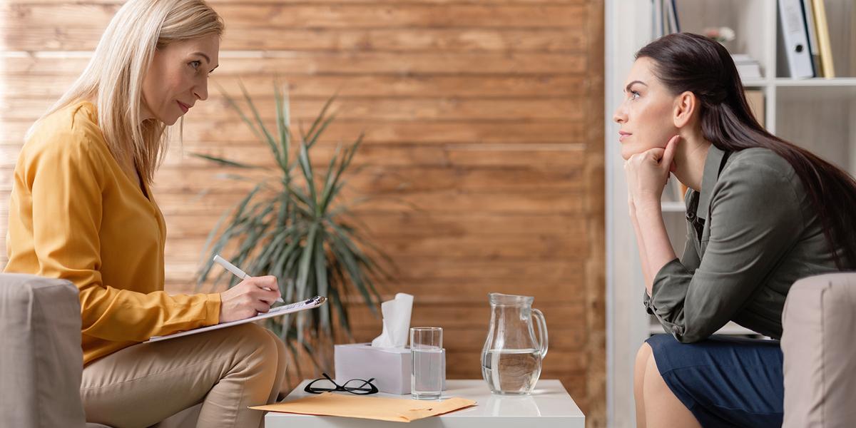 Помогать другим и зарабатывать: как построить успешную карьеру психолога