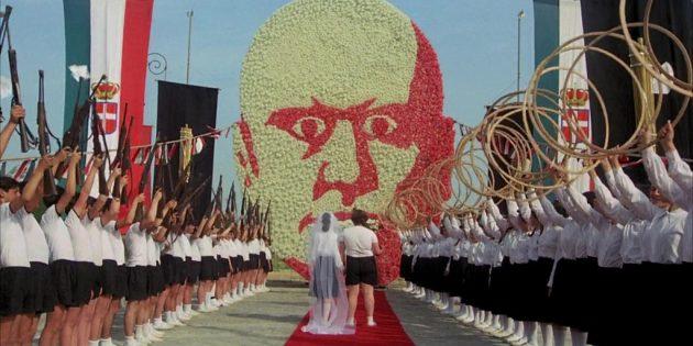 Кадр из фильма Федерико Феллини «Амаркорд»