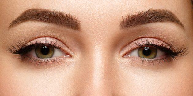 Как определить форму глаз: взгляните в зеркало. Если верх и низ зрачка скрыты под веками, то у вас миндалевидные глаза
