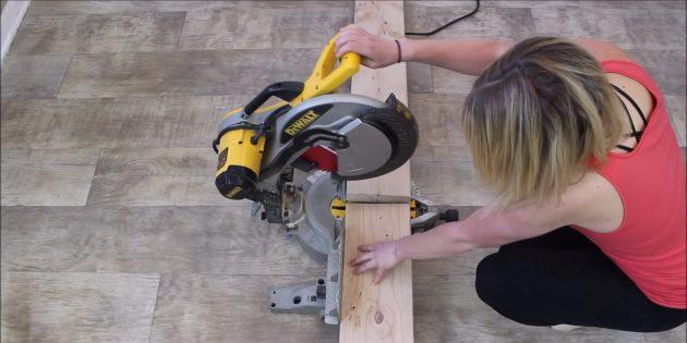 Как сделать скамейку из бруса своими руками: разрежьте широкий брусок (50 × 200 × 2500мм) пополам