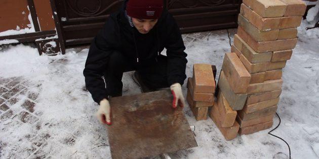 Как сделать тандыр своими руками: Положите кусок металла подходящего размера на крестовину от кресла или просто на землю