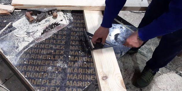 Как сделать скамейку своими руками: С помощью карандаша и транспортира начертите по одной из отметок линию под углом 9°