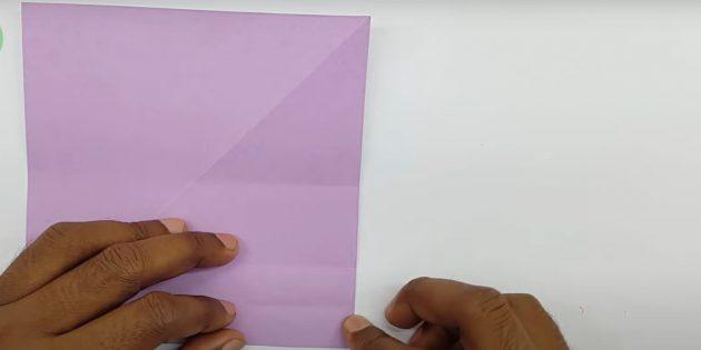 Как сделать кораблик из бумаги: сделайте сгибы