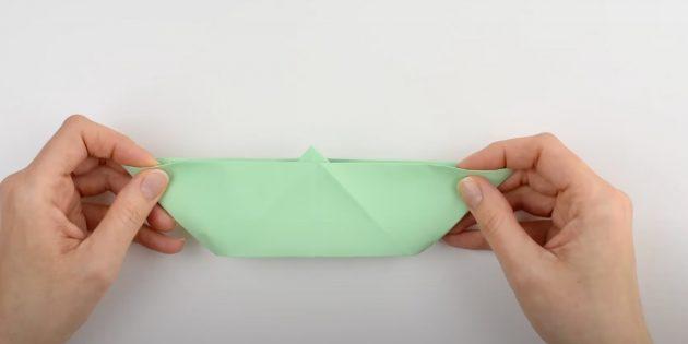 Как сделать кораблик из бумаги: расправьте ромб