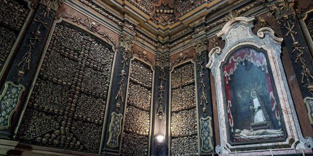Склеп Сан-Бернардино-алле-Осса в Милане