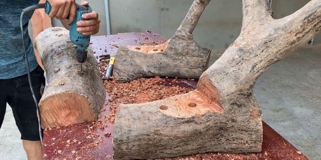 Как сделать скамейку своими руками: сверлом Форстнера сделайте 8отверстий в основании и сиденьи