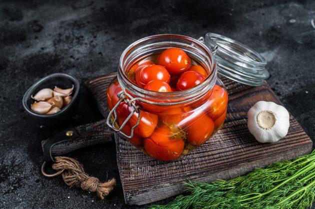 Малосольные помидоры в минералке