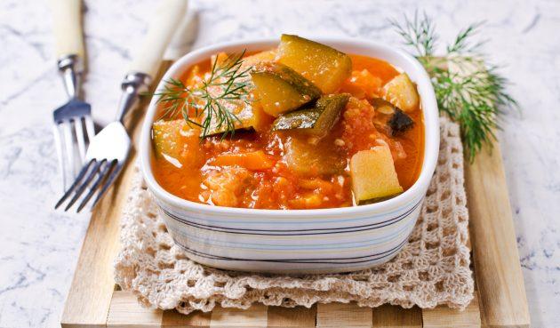 Салат из кабачков с морковью, луком и помидорами на зиму