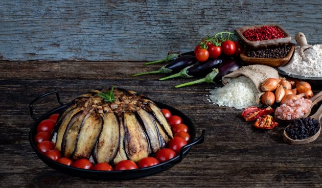 Маклюбе — мясо с рисом и овощами