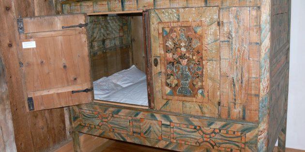 Австрийская кровать XVIII века