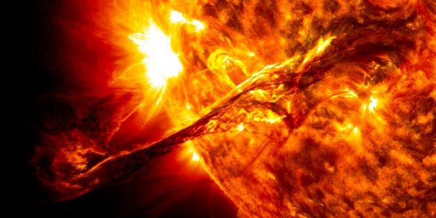 Можно ли погасить Солнце водой: протуберанец.