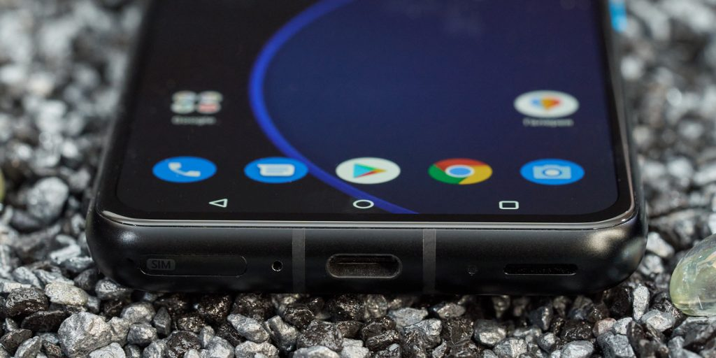 Обзор Asus Zenfone 8: звук и вибрация